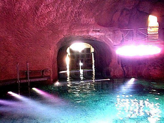 Секретная подземная пещера Сильвио Берлускони