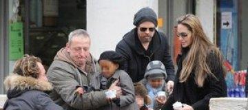 Четырехлетняя дочь Джоли и Питта будет получать $3 тыс. в неделю