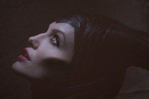 Анжелина Джоли стала злой колдуньей