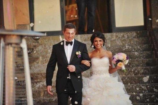 Санта Димопулос вышла замуж в платье от Веры Вонг