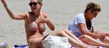 Шэрон Стоун отдохнула на пляже