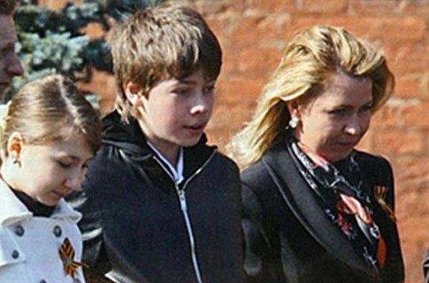 Супруга Дмитрия Медведева Светлана с детьми