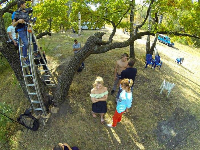 """знімальний майданчик """"Коли падають дерева"""""""