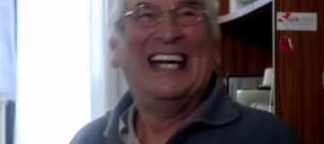 Пожилой голландец два года непрерывно смеется