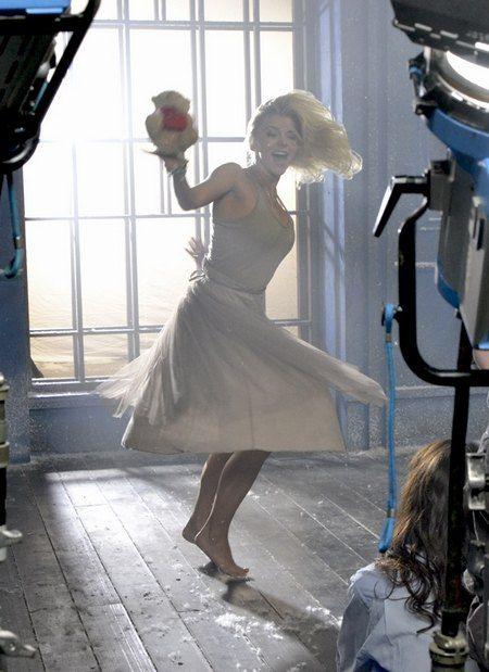 Ириша Блохина на съемках клипа Александра Дьяченко