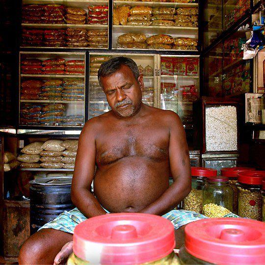 Индия. Владелец магазина