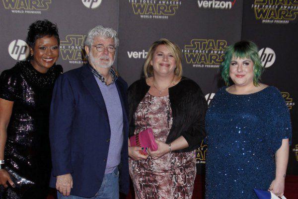 """Создатель саги """"Звездные войны"""" режиссер Джордж Лукас с женой (слева) и дочками"""
