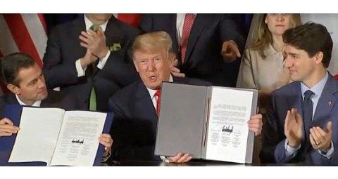 Трамп оконфузился на саммите G20, подписав документ огромным маркером