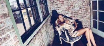 Кандис Сванеполь в январском Harper's Bazaar