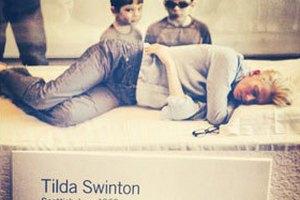 Тильда Суинтон шесть часов проспала в музее