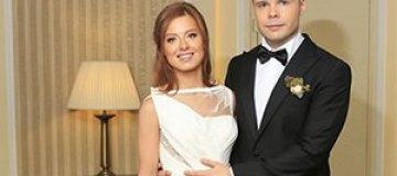Макс Фадеев подарил на свадьбу Савичевой дом на Бали