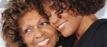 Мать Уитни Хьюстон напишет книгу о дочери