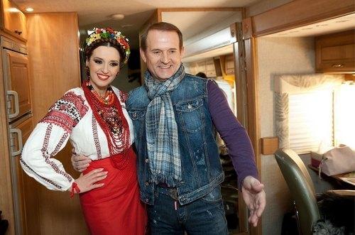 Медведчук с Марченко отметили Масленицу на ВДНХ