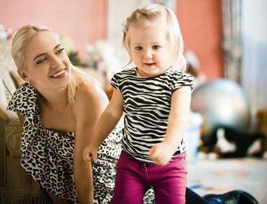 С первой дочерью - Лидой