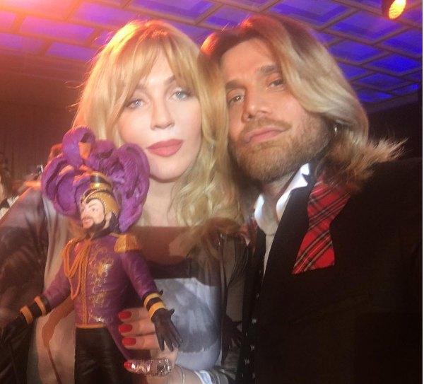 Ирина Билык с мужем и шоколадным Филиппом