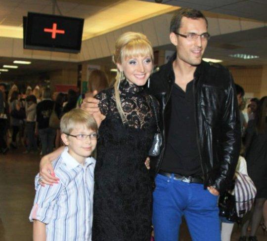 Кристина Орбакайте с сыном Дени и мужем
