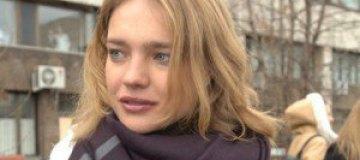 Водянова приехала в Россию на похороны дедушки