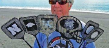 На берега Аляски вынесло мухобойки