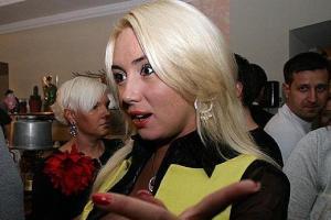 Розинская показала трусы и обматерила гаишников