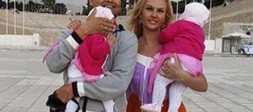 Камалия отпраздновала день рождения с мужем и детьми в Греции