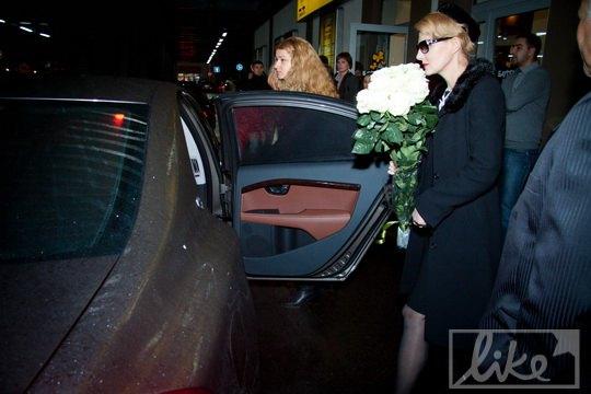 """С Bentley актриса пересела на """"киношный"""" автомобиль Volvo"""