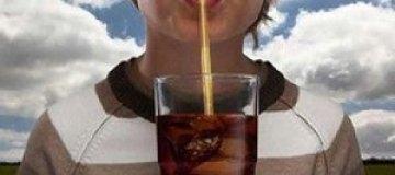 В Нью-Йорке запретили продажу газировки в больших стаканах