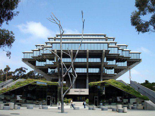 Библиотека Гейзеля, Калифорнийский университет, Сан-Диего