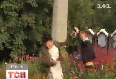 Девушка Жан-Клода Ван Дамма Алена Каверина напала на журналистку Татьяну Боковню