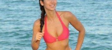 Лейлани Доудинг показала прелести на пляже