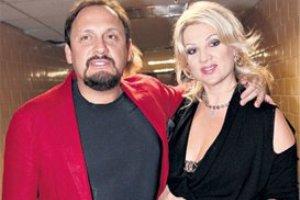 Стас Михайлов вывел в свет беременную жену