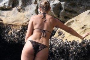 Лара Бингл отдохнула на сиднейском пляже