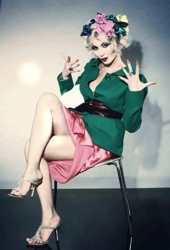 Фото украинской певицы в журнале Salon International