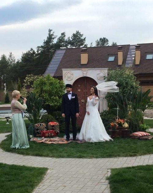 После мусульманского обряда Джамала и Бекир устроили также и светскую церемонию бракосочетания