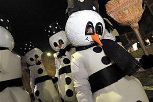 На рождественском параде арестовали снеговика