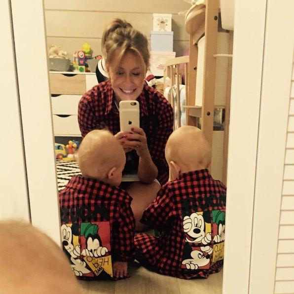 Елена Кравец с детьми