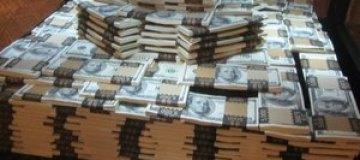 Cингапурский таксист вернул пассажирам забытые в авто $900 тыс.