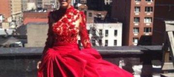 Собчак с косой примерила свадебное платье