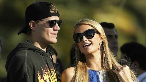 Экс-жених Пэрис Хилтон требует вернуть кольцо за 2 млн долларов