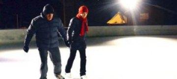 Литвин устроил ночные катания на коньках