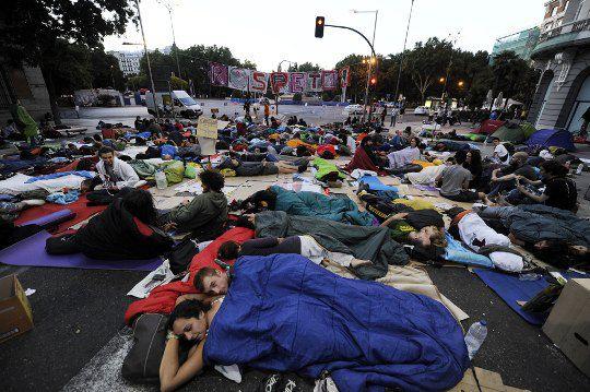 Испания. Протесты под домом правительства