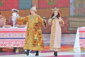 Потап и Настя примерили царские наряды
