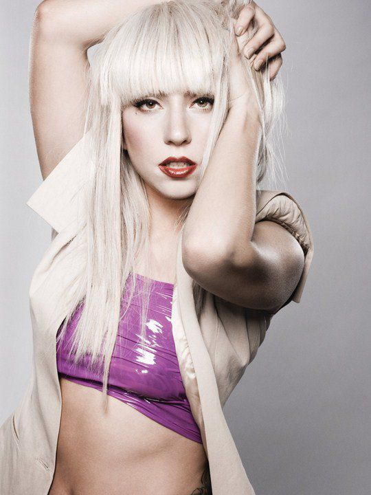На втором месте - Леди Гага, которая за прошлый год заработала 90 миллионов