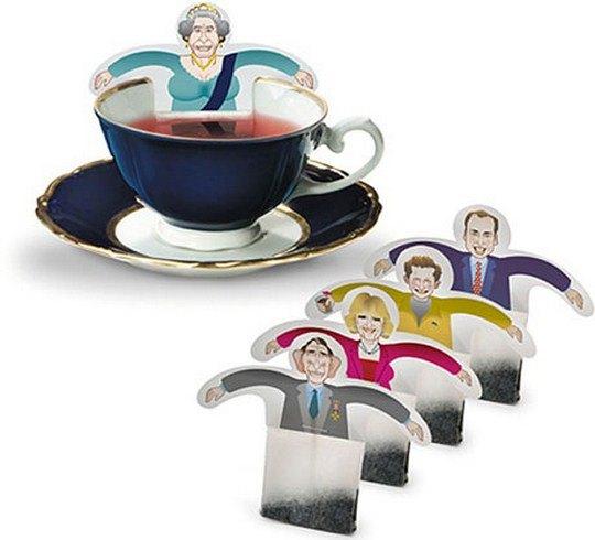 В немецкой дизайн-студии Donkey Products разработали дизайн чайных пакетиков c бумажными поплавками в виде членов королевской семьи Англии