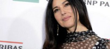 Моника Белуччи покоряет красотой на красной дорожке
