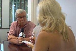 Канадская журналистка разделась перед мэром во время интервью