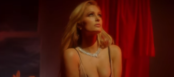 В мехах и прозрачном платье - Пэрис Хилтон позирует для календаря