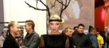 """Полякова """"одолжила у мужа рога"""" для Недели моды"""