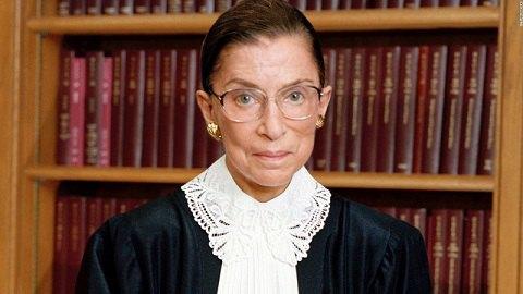 Самая известная в американском правосудии женщина госпитализирована с переломом ребер