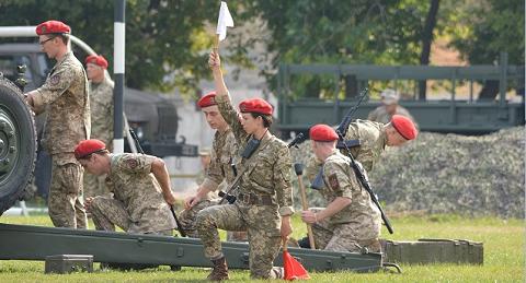 Нардеп Чорновол приняла присягу и стала артиллеристкой