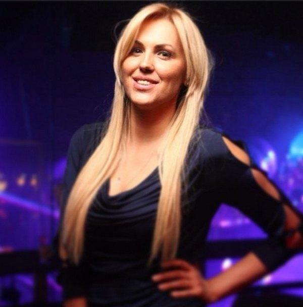 Яна Клочкова стала яркой блондинкой